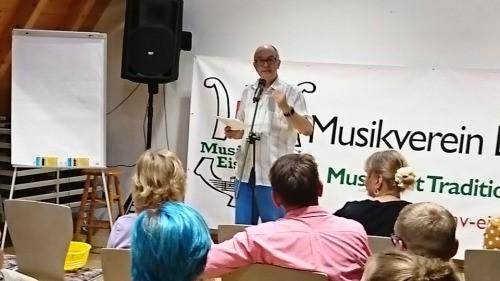 Poetry Slam Master Rolf Suter